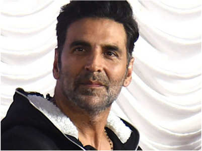 Akshay Kumar pens a sweet reply to a fan