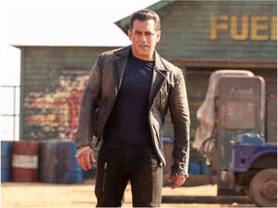 Salman: Please don't participate in piracy