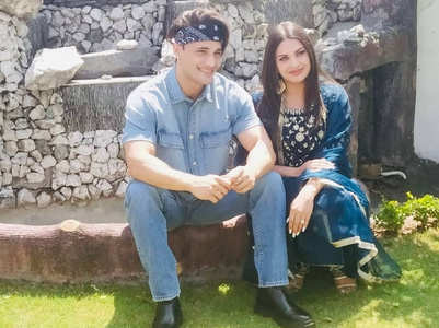 Himanshi bonds with beau Asim Riaz's mom