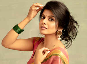 I never considered myself attractive enough to become an actress: Swagatha Krishnan