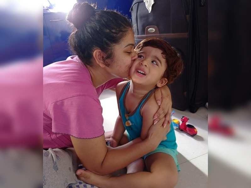 Payel-Dwaipayan out of isolation, reunite with their son