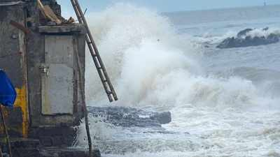 """Tauktae is now a """"very severe"""" cyclone, which will sweep through Gujarat at 185 km / h 