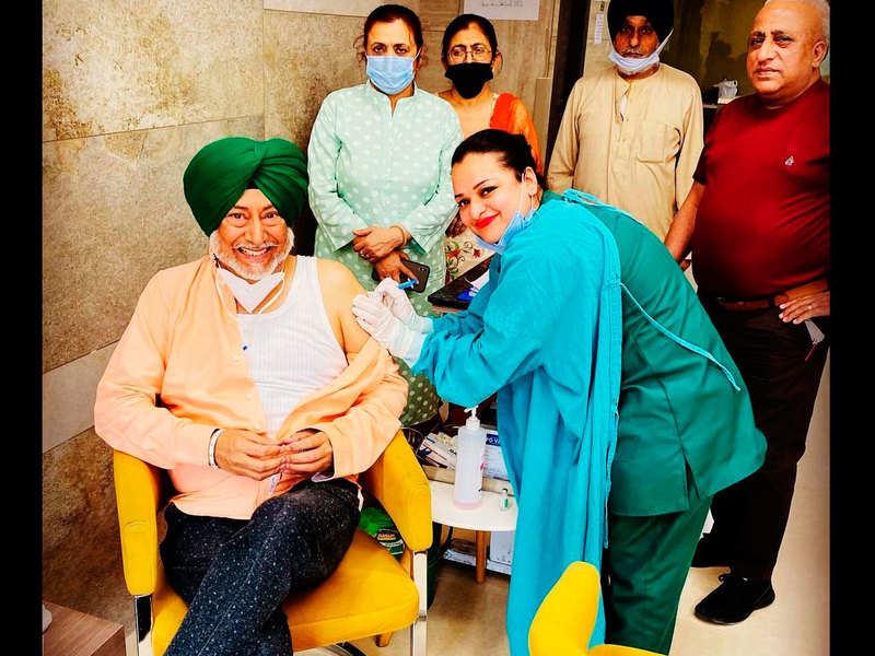 Jaswinder Bhalla gets his second jab of the Covid-19 vaccine