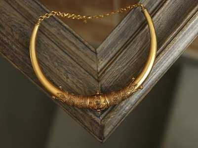 Celebrating Indian culture through gold jewellery