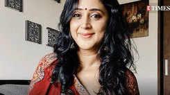 Watch: Kaniha gets nostalgic as she tunes into 'Swapnangal Kannezhuthiya' song!