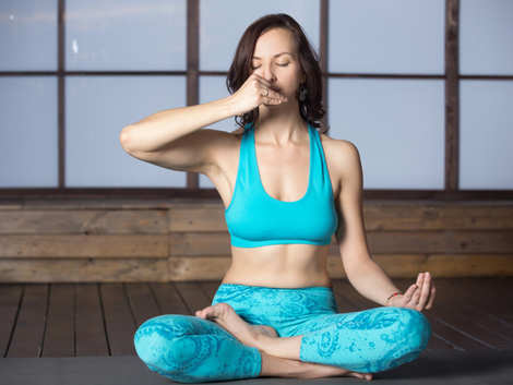 Avoid these 3 breathing exercises when suffering from COVID-19