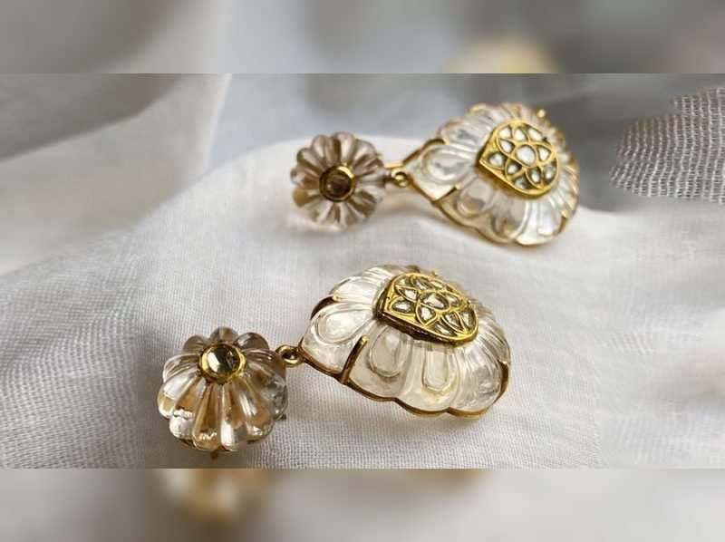 Zayn by Sunena's minimalistic Mughal-inspired jewels