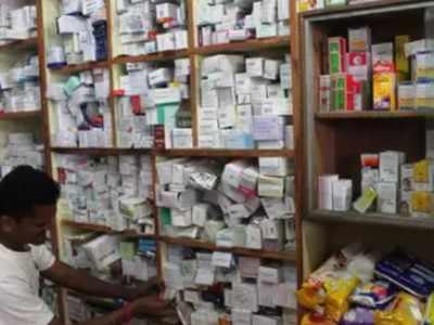 "Chemists say 650 dead, demand priority vax, threaten ""blockade"" | India News"