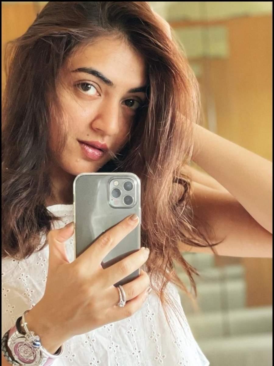 Nazriya Nazim to Keerthy Suresh, Quarantine Pics of South Divas