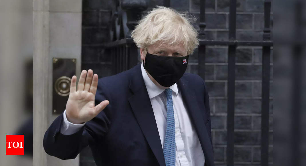 British PM's former top adviser says early Covid-19 plan was a 'disaster' – Times of India