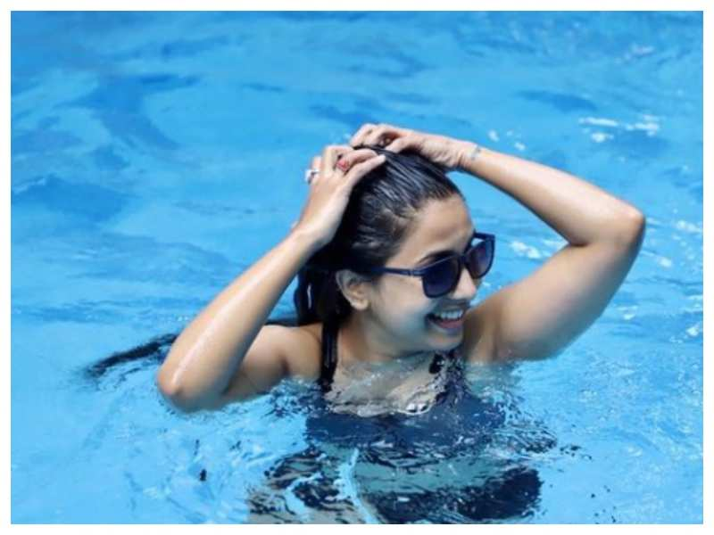 Sayali Sanjeev misses chilling in the pool, shares throwback picture