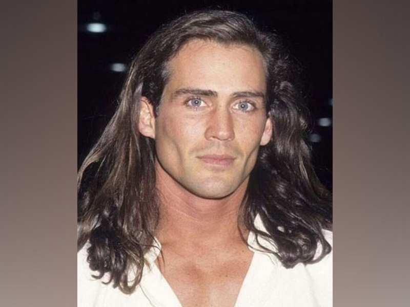 'Tarzan' Star Joe Lara dies at 58 in plane crash