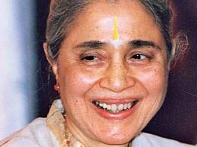 Amitabh recalls endearing memories of Indu Jain