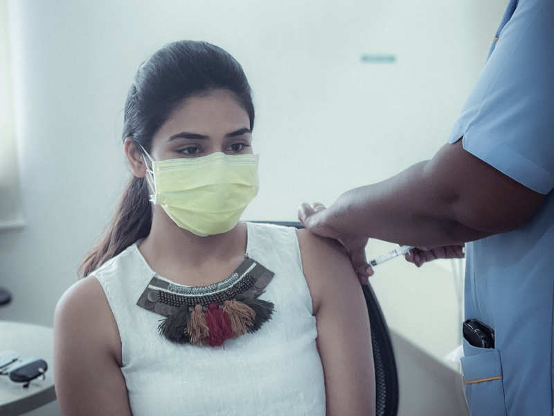'Bigil' actress Indhuja gets vaccinated