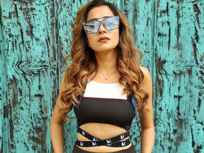 Tina Datta reports a troll to cyber cell