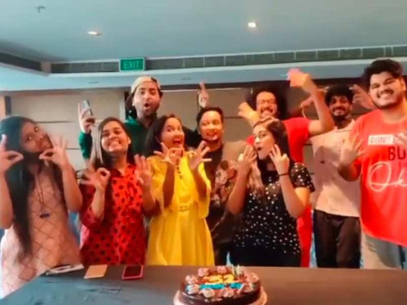 Indian Idol 12 contestants Shanmukhapriya, Pawandeep and others celebrate as the 'romance special' episode fetches great numbers