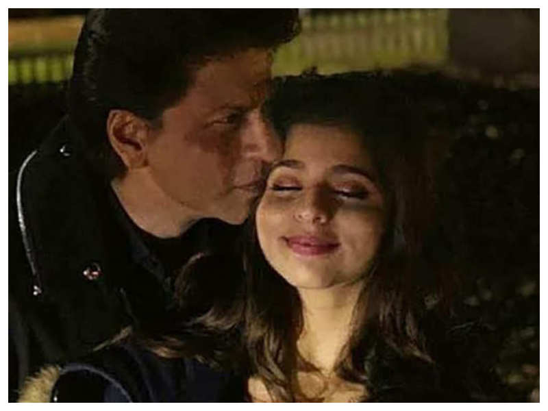 Did you know Suhana Khan would cry when people surrounded her father Shah Rukh Khan's car during her childhood?