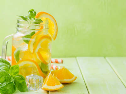 5 refreshing summer drinks to lose weight