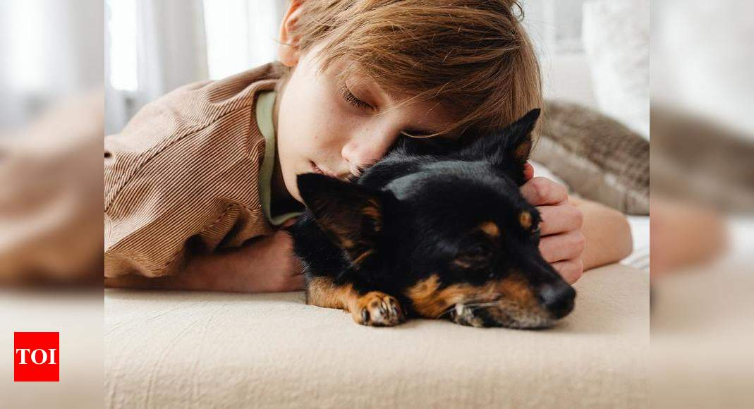 Study: Pets help your child sleep better at night!