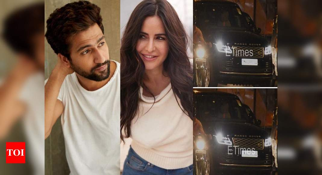 Video: Vicky Kaushal spotted leaving Katrina Kaif's residence – Times of India