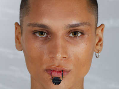 Face jewellery gets compared to bulldog clip
