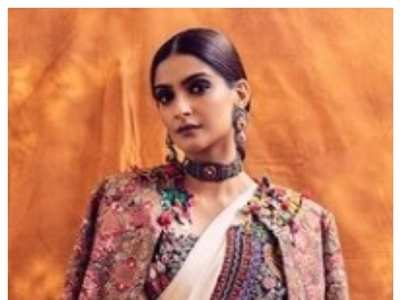 10 times Sonam Kapoor stunned in a saree