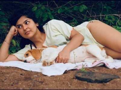 Taarak's Nidhi goes camping in bikini