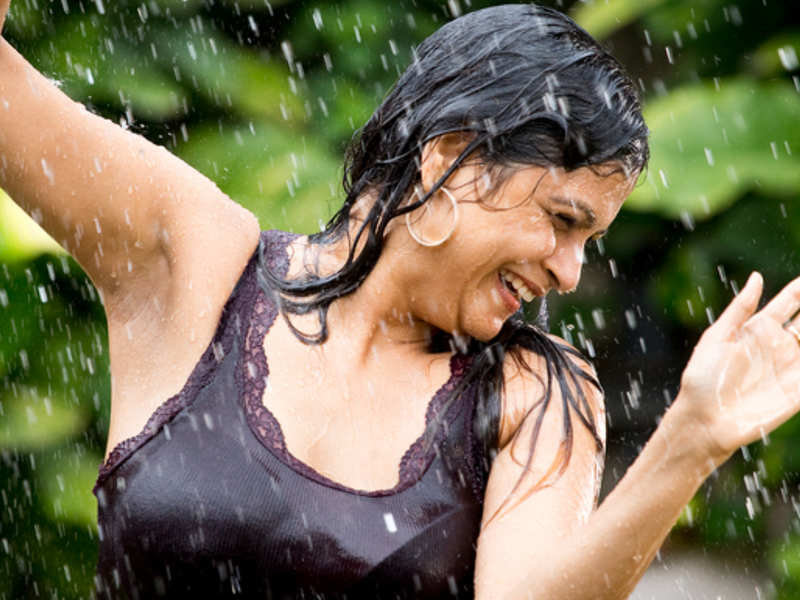 How to take care of your skin in monsoon