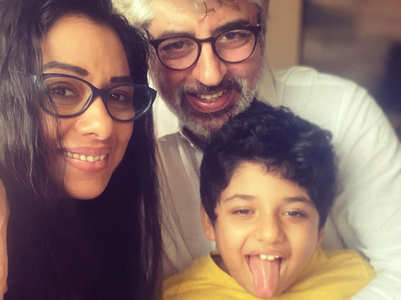 Rupali Ganguly is 'back home with her boys'