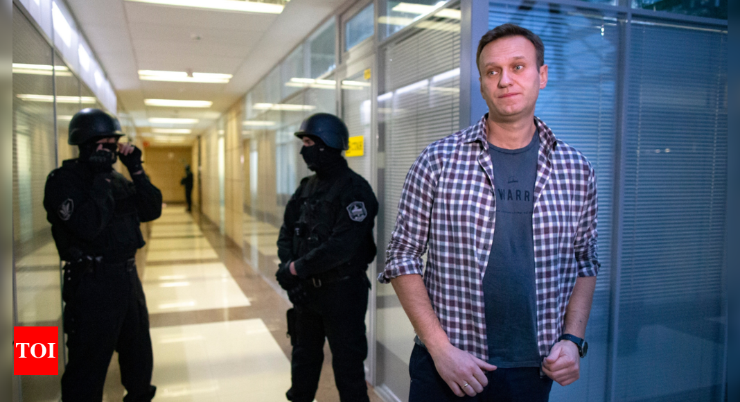 Russian court labels Navalny's political organizations as extremists
