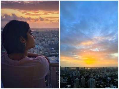 Janhvi enjoys sunset view from her balcony