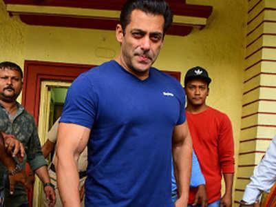 Did Salman buy remake rights of 'Khiladi'?