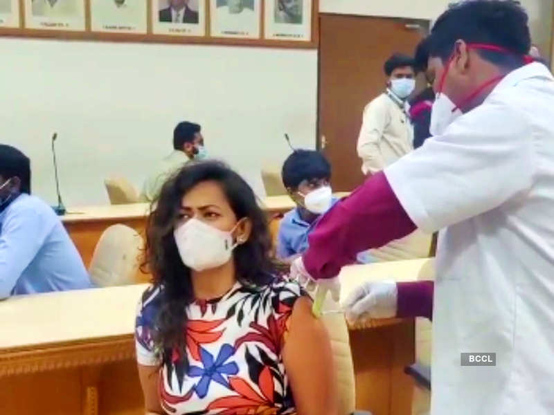 """Sanjana Singh takes first dose of COVID-19 vaccine, says, """"take care of yourself and your family"""" (Photo - Instagram)"""