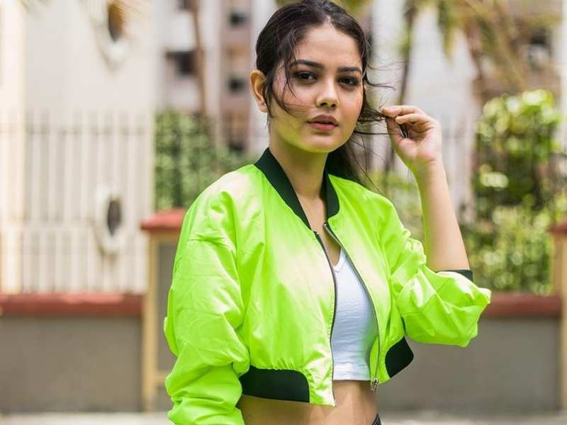 Here's how actress Priyal Mahajan keeps herself fit and unwinds after a long day at work, says 'having a fit state of mind is important'