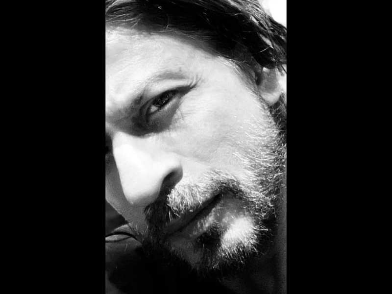 Shah Rukh Khan gears up to get back to work by trimming off his beard