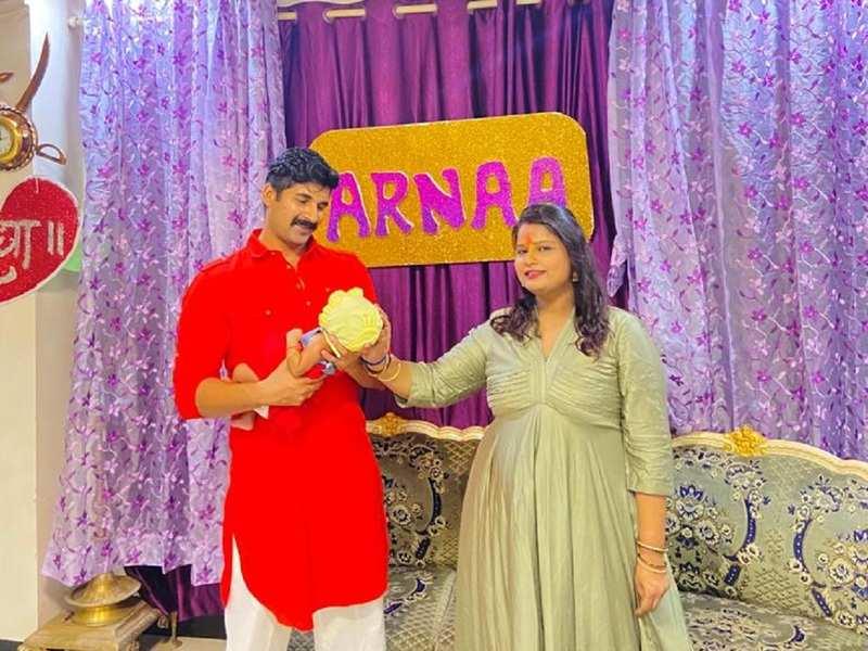 Akshay Waghmare names his daughter, Arnaa