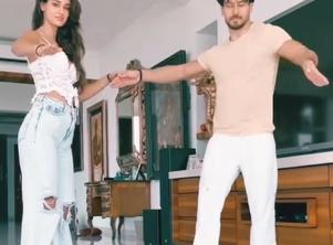Tiger - Disha dance together