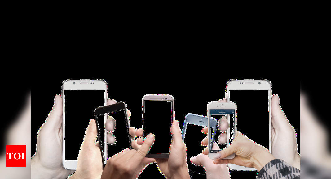 Global smartphone market to grow by 12% in 2021, claims report – Times of India