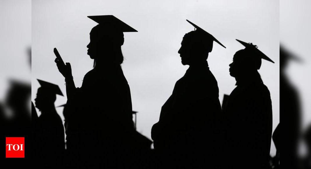 Scramble for visas freezes US portal, locks students out