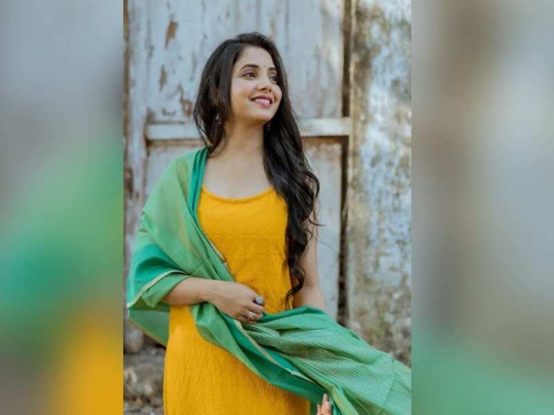 Sayali Sanjeev is a sight to behold in her latest Instagram picture