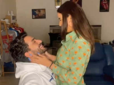 Aly-Jasmin groove to Rahul's song; watch