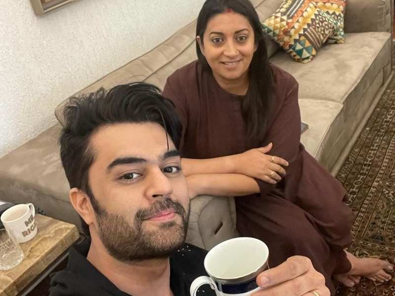 Maniesh Paul meets Smriti Irani at her home; jokes about having a khadha in Covid-19 times instead of chai