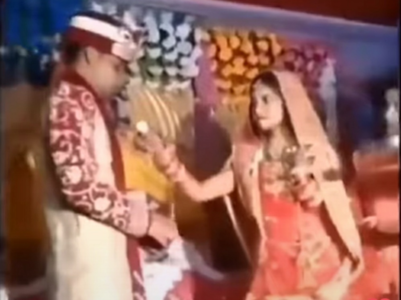 Viral video: Bride loses temper, throws sweet on the groom's face