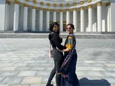 Taapsee Pannu rocks a saree in Russia