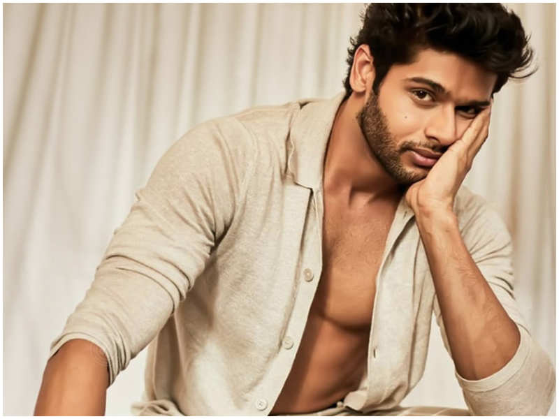 Abhimanyu Dassani's hard core work-out sessions give us the ideal motivation