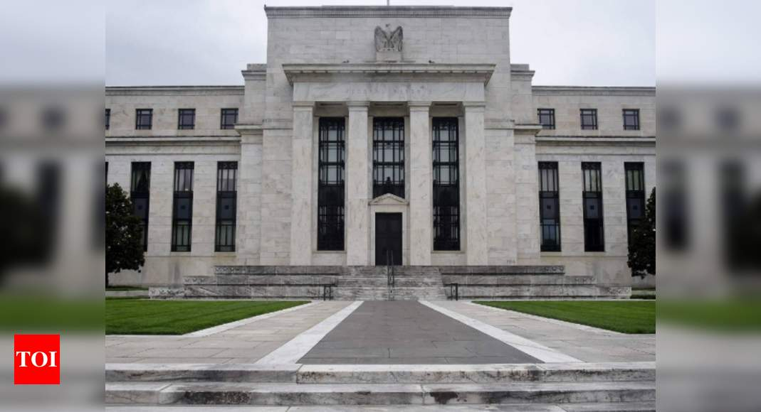 Fed holds rates at zero, sees 2 hikes by 2023-end thumbnail