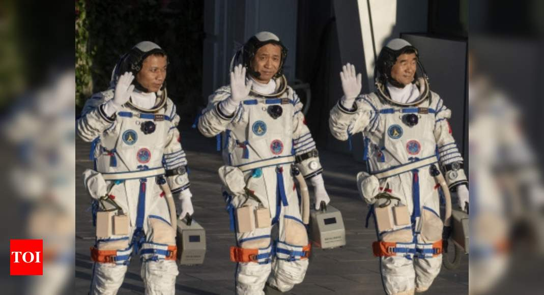 Chinese rocket takes off carrying first crew to new space station