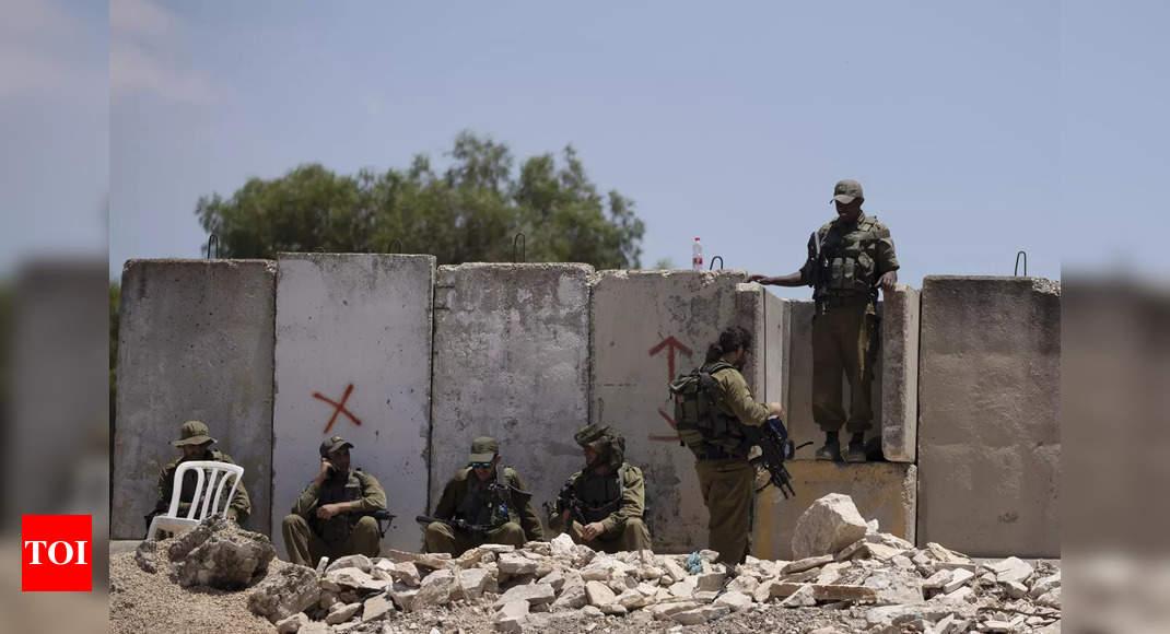 Palestinian teenager shot dead by Israeli troops in West Bank