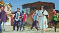 Akshara Singh and Amrish Singh's new Bhojpuri song 'Chappal Chala Ke' impresses fans