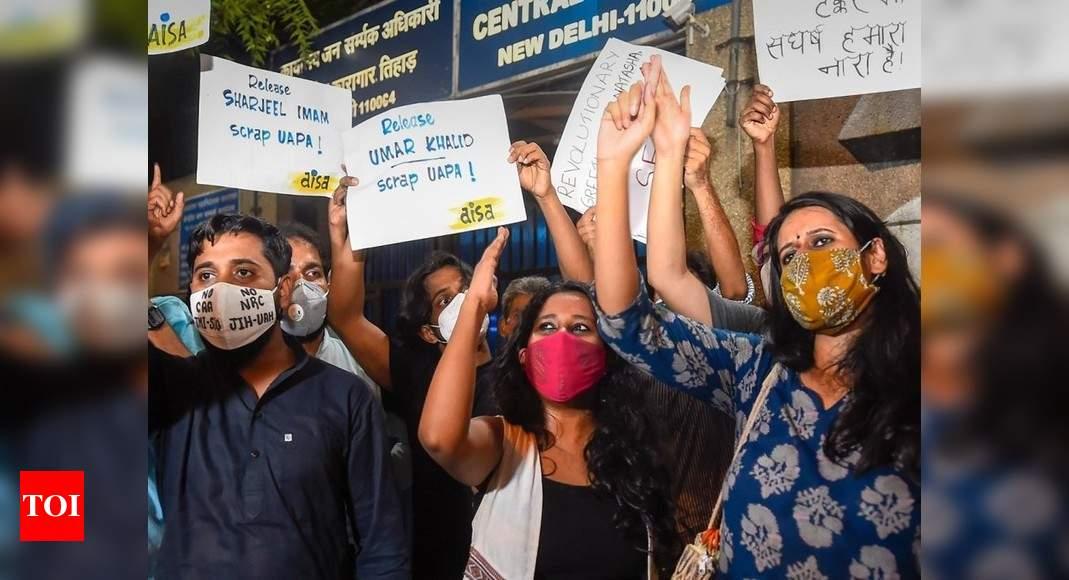 Delhi Riots News: Student activists Natasha Narwal, Devangana Kalita, Asif Iqbal Tanha released on bail   Delhi News - Times of India